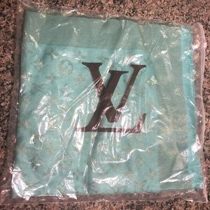 Louis Vuitton Accessories - Louis Vuitton. Scarf. shawl. New. Turquoise teal